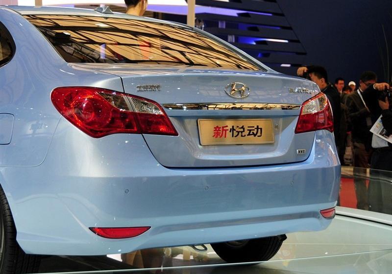 北京现代 悦动 2011款 1.6手动顶级型