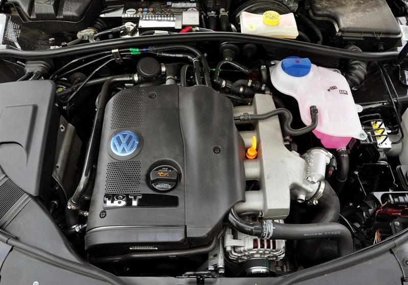 帕萨特领驭 _passat新领驭  2009款 1.8t 手动尊品型--发动机舱