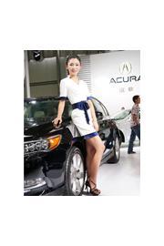 2013昆明泛亚国际车展车模现场照第4波:讴歌车模